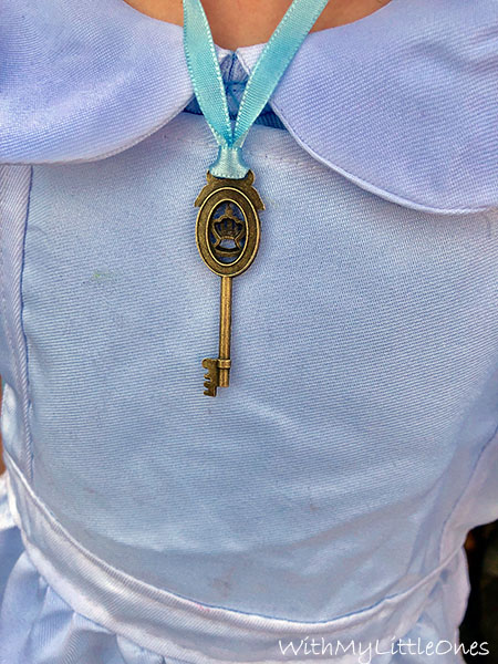 Vintage Key for Alice in Wonderlando Birthday Party