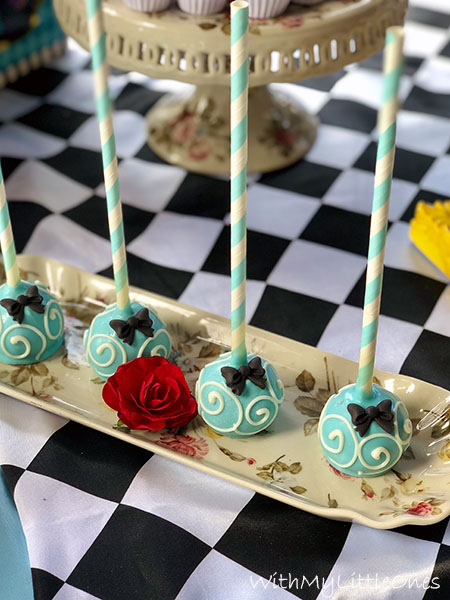 Arabesque cakepops